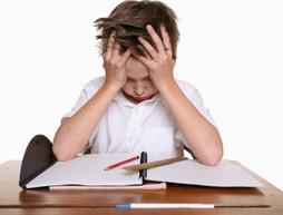 الطريقة السليمة للمراجعة أيام الإختبارات stressed_out_kid_doi
